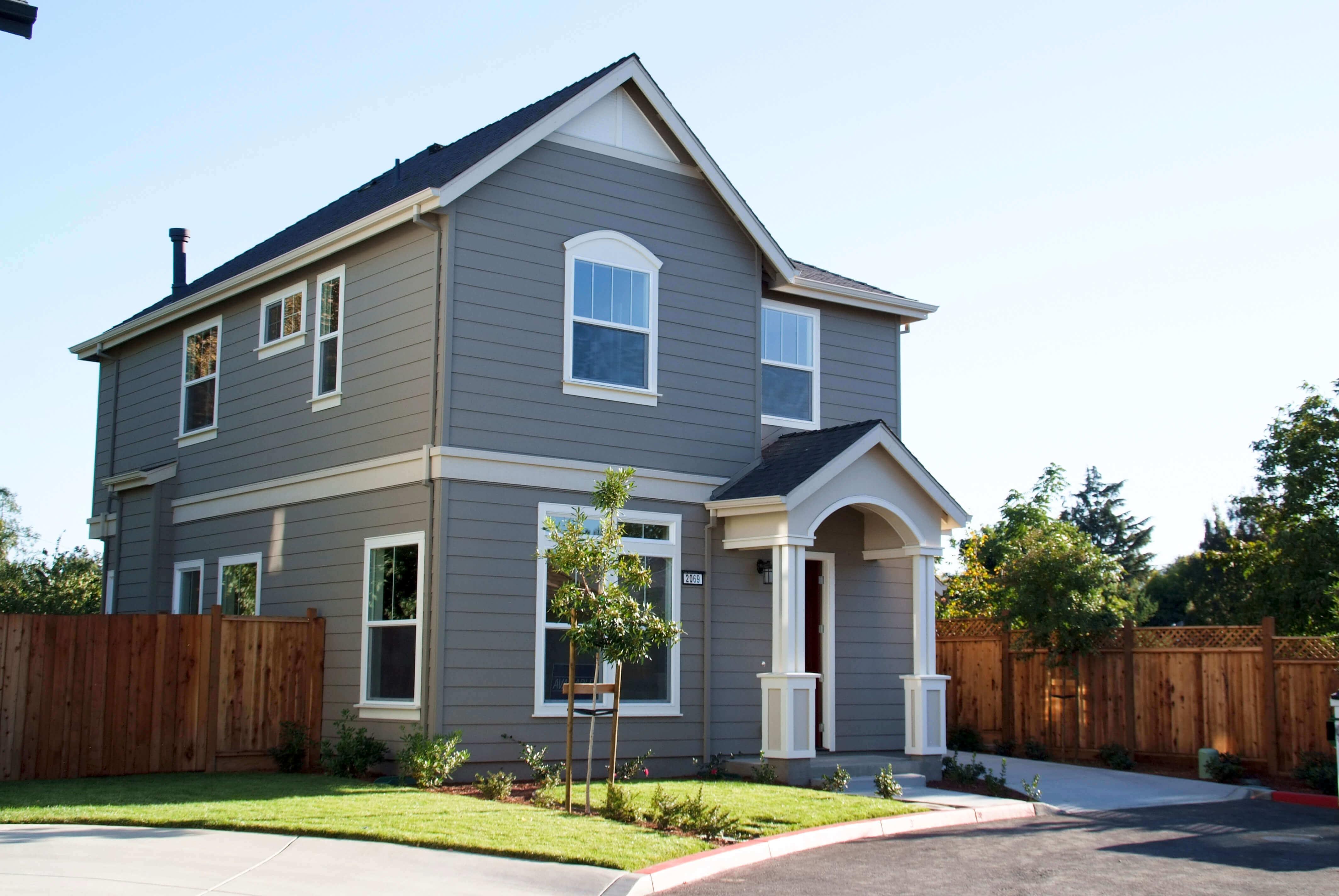 Calgary-Exterior-Home-Painters