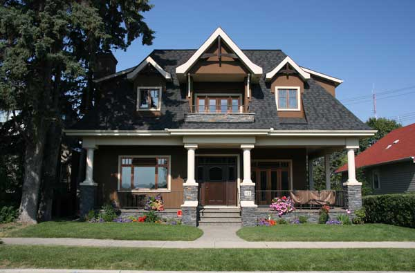 Calgary-Painters-Okotoks-Chestermere-Airdrie-Stucco-Painting